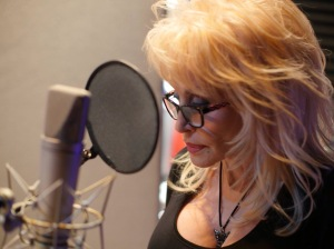 Dolly Parton as Noolen at. The Lily's Driftwood Bay