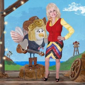 Dolly Parton as Noolen